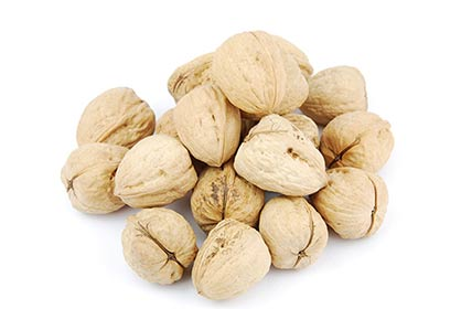 pile-of-walnuts-on-white_my0wiap_