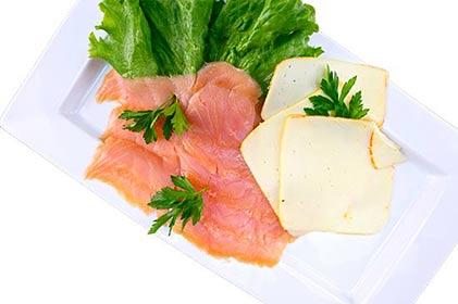 salmon-dinner_myq8_fso